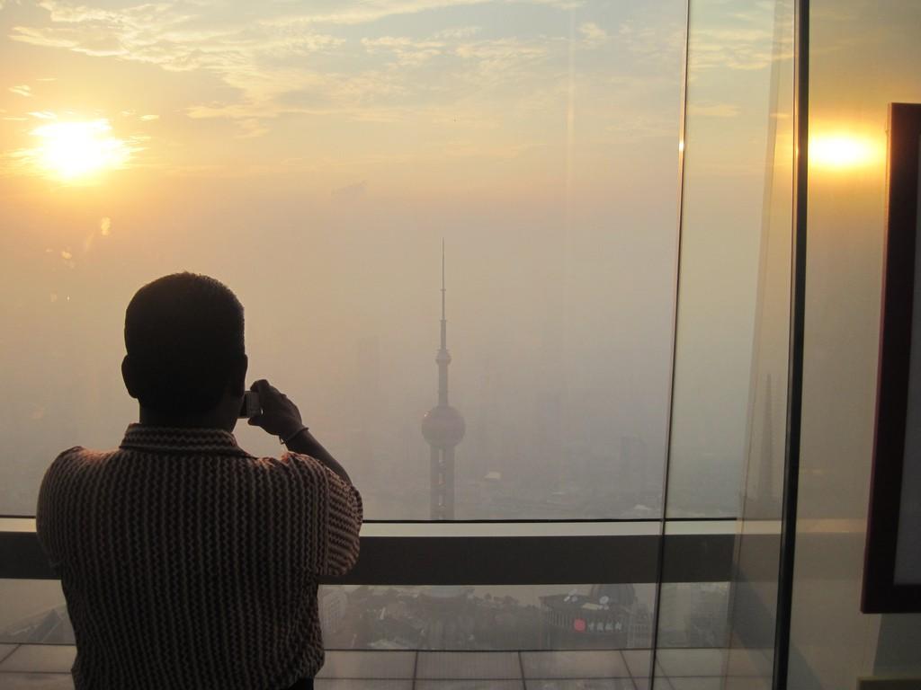 shanghai-smog-tourist-photo-flickr.jpg