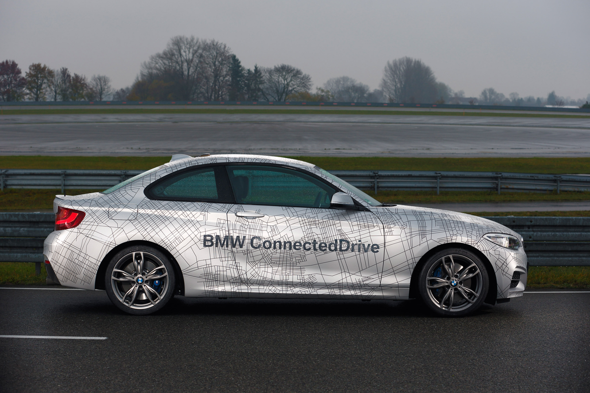 bmw-driverless-car-ces-press-photo.png