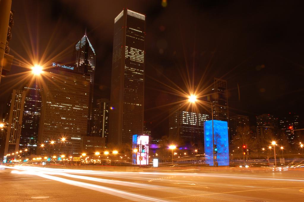 chicago-michigan-avenue-lamp-posts-lights-flickr.jpg