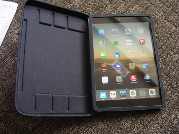 Contoured foam with three notches in the top hard shell
