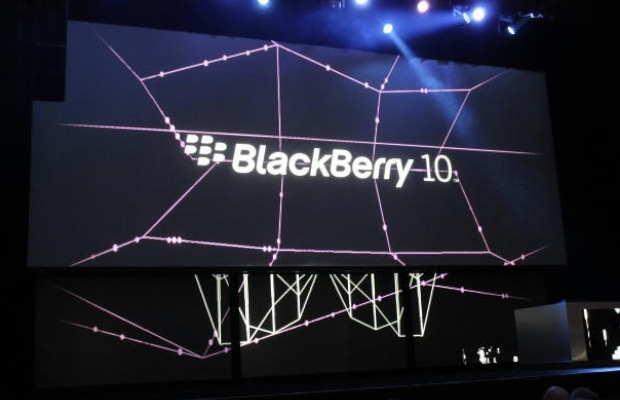 BlackBerry reports near-$1B loss, thanks to Z10 flop