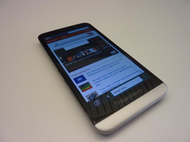 blackberryz30-1.jpg