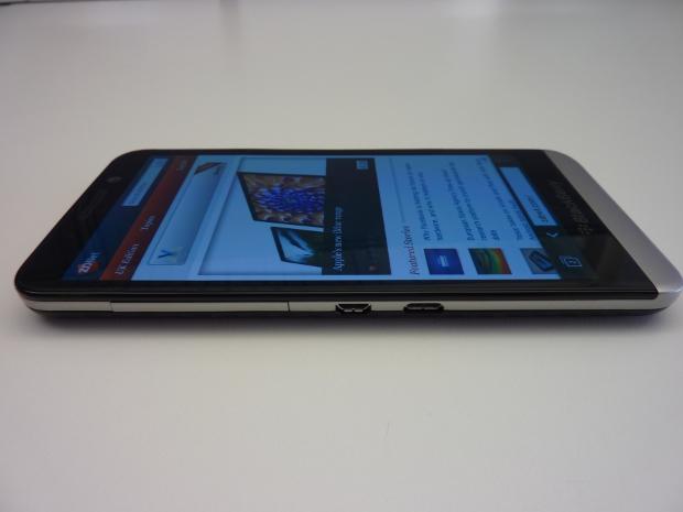 blackberryz30-3.jpg