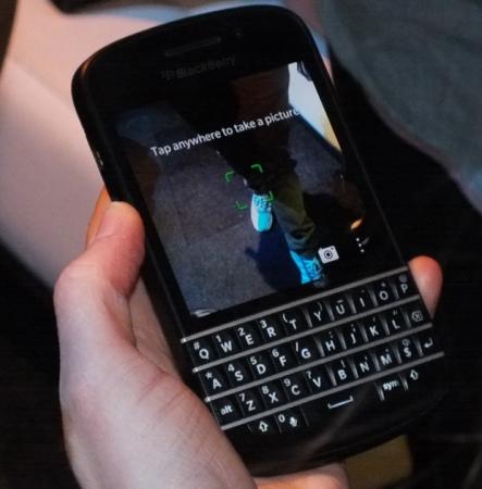 blackberryq10camera.jpg