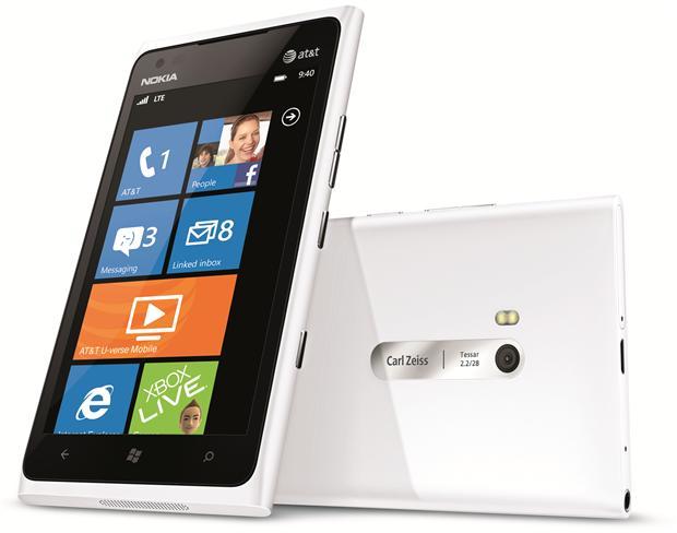 10: Nokia Lumia 900