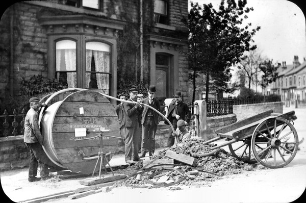 Cable laying in 1905