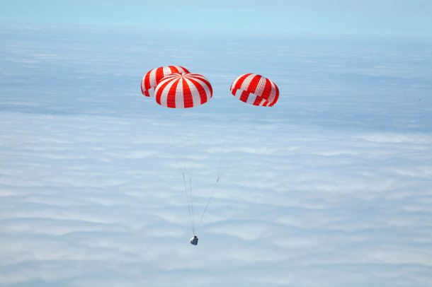 Capsule falls back to Earth