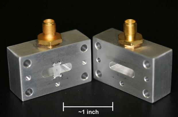 """3D"" superconducting qubit device"