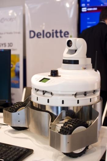 40154266-7-camera-robot-350-525.jpg