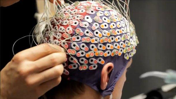Virtual reality study electrodes