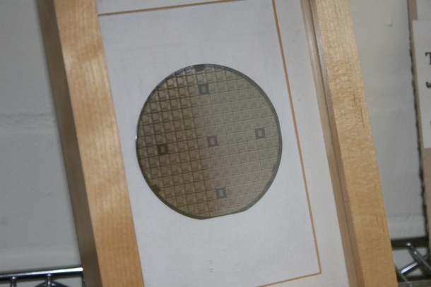 Anamartic wafer memory