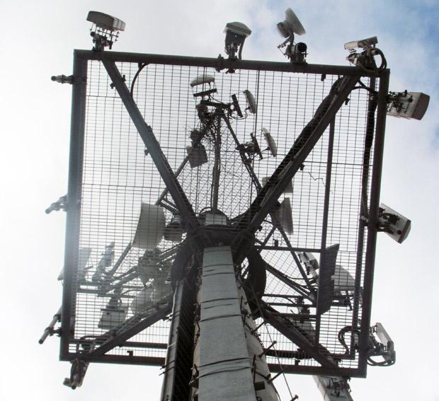 inside-a-vodafone-cell-tower-photos1.jpg