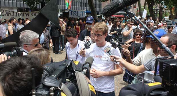 wikileaks-sydney-protest-photos1.jpg