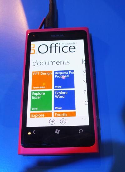 Nokia Lumia 800 Office