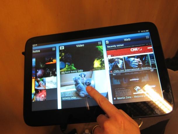 Intel MeeGo tablet