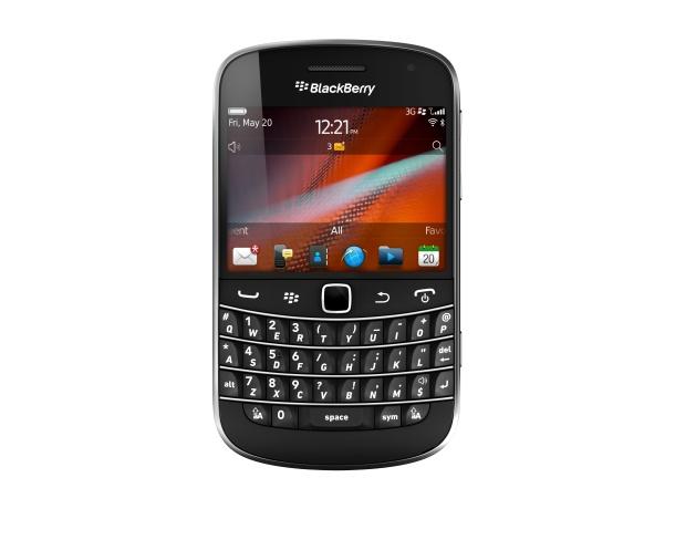 BlackBerry Bold 9900 front