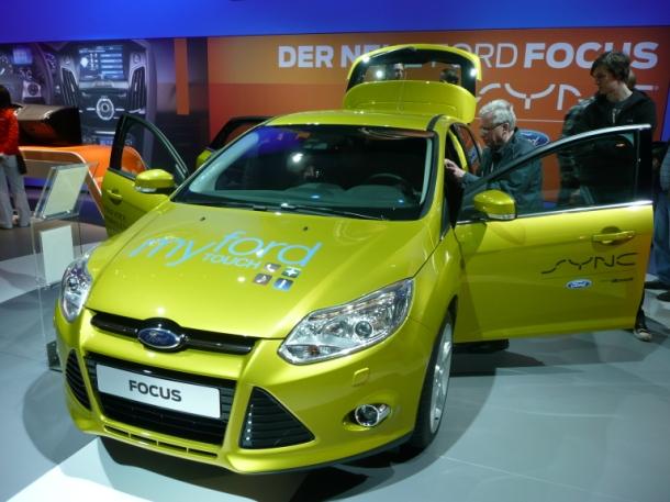 40154168-1-ford-sync-ford-focus-car-610.jpg