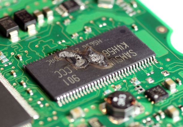 40154212-1-external-electronics-failure-610.jpg