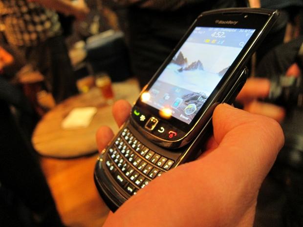 blackberrytorch2.jpg