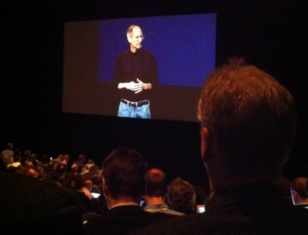 40154159-3-610-steve-jobs-ipad2-launch-15.jpg