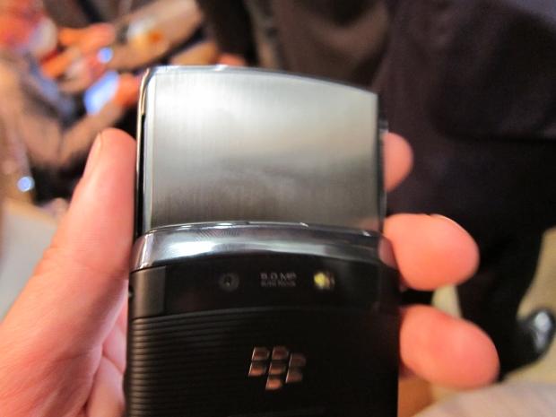 blackberrytorch9.jpg