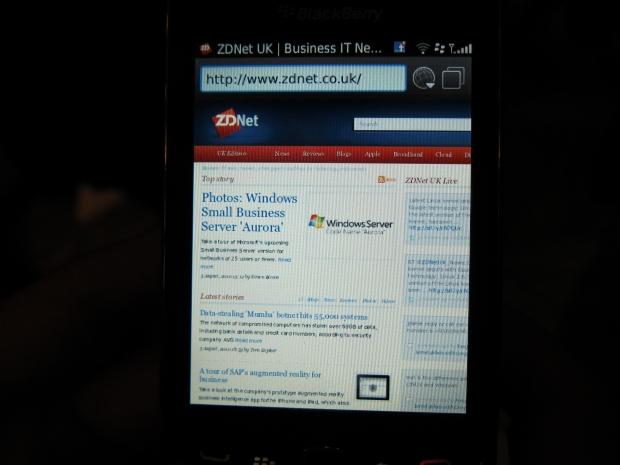 blackberrytorch8.jpg