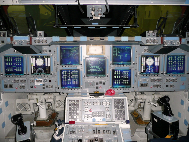 40153865-16-3-610-shuttle-cockpit-nasa-2.jpg