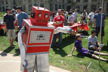 40151479-1-redrobot.jpg