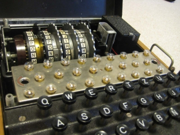 40152916-7-m4-engima-machinelampboard-rotor-matrix.jpg