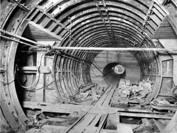 40152117-1-bt-tunnels-constructions.jpg