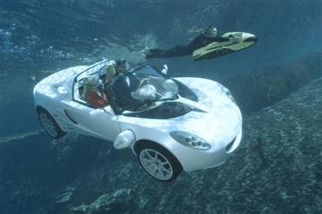 40151220-1-underwater-custom.jpg