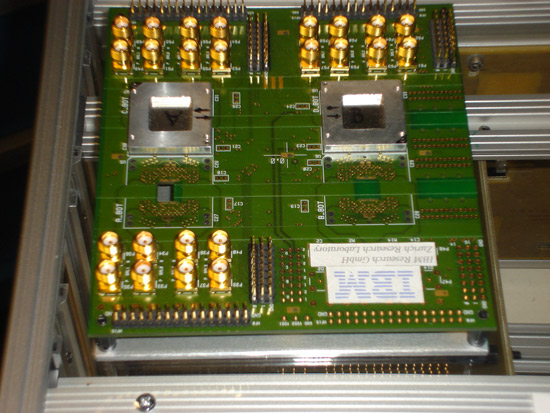 A four-way, optical interconnect unit