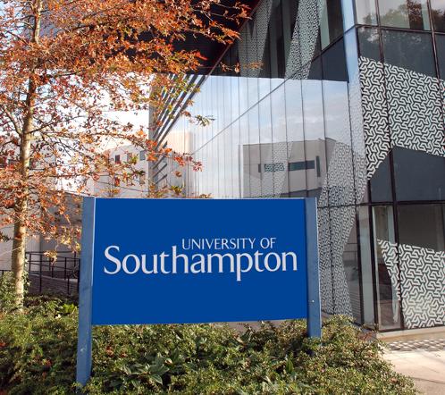 40153440-1-southamptonunisupercomputer4.jpg