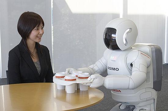 Asimo serves drinks