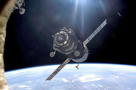 Soyuz approaching