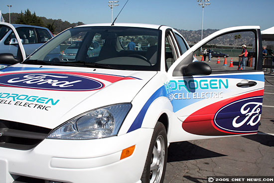 Photos: Hydrogen-powered vehicles rally