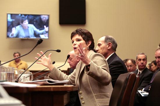 Patricia Dunn testifies