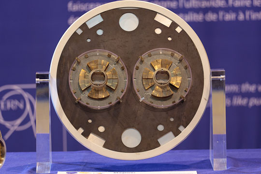 large-hadron-collider-tech-photos1.jpg