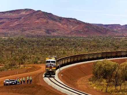 photos-rio-tintos-371m-driverless-train1.jpg