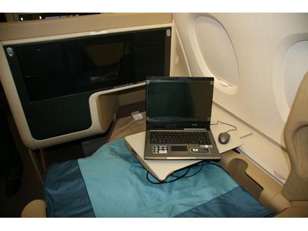 photos-airbus-a380-takes-off9.jpg
