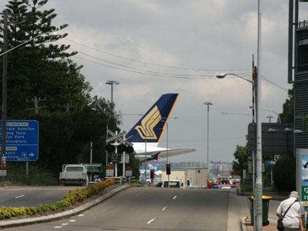 photos-airbus-a380-takes-off20.jpg