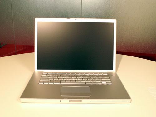 MacBook Pro: Looks like PowerBook G4