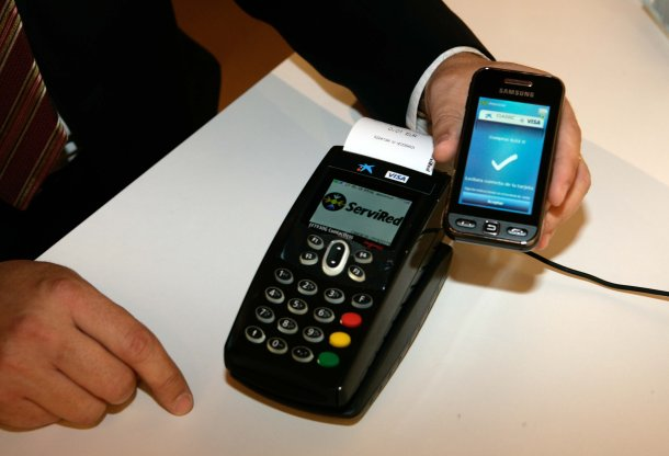 Mobile shopping: Contactless POS and NFC handset