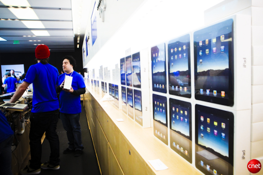 The iPad is already making a bigger difference to the company's bottom line than the iPod