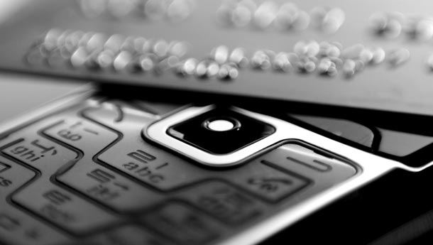retailers need to get up to speed with mobile commerce
