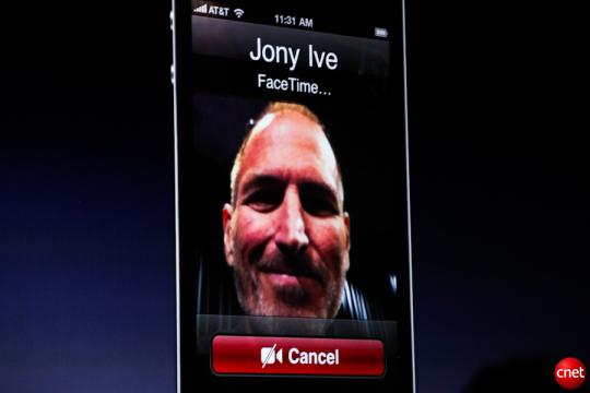 Steve Jobs announces FaceTime on an iPhone 4