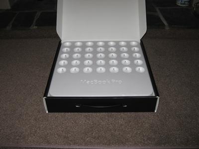 macbook-pro-unboxing-03.jpg