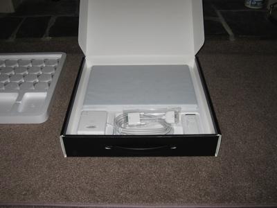 macbook-pro-unboxing-05.jpg