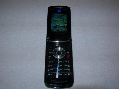 Motorola Razr2 shown at Linuxworld in August