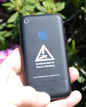Gallery: Create your own black iPhone